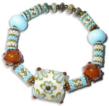 Eyelet Peyote Beads Bracelet