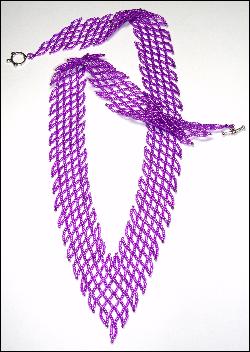 Diagonal V-Net Necklace