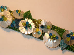Button Blooms bracelet