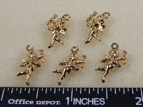 Cupid Charms, Gold (8 per Package)
