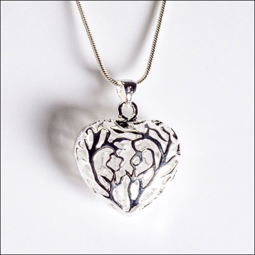 Carved Silver Heart Pendant Necklace, 16""