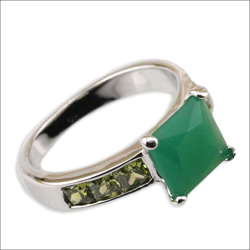 Jade Green & Silver Ring, Size 8