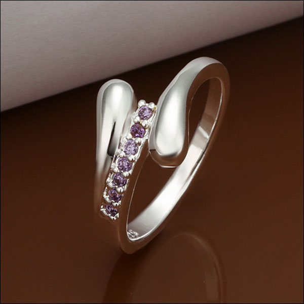 Light Purple in Silver Ring, Size 7.5