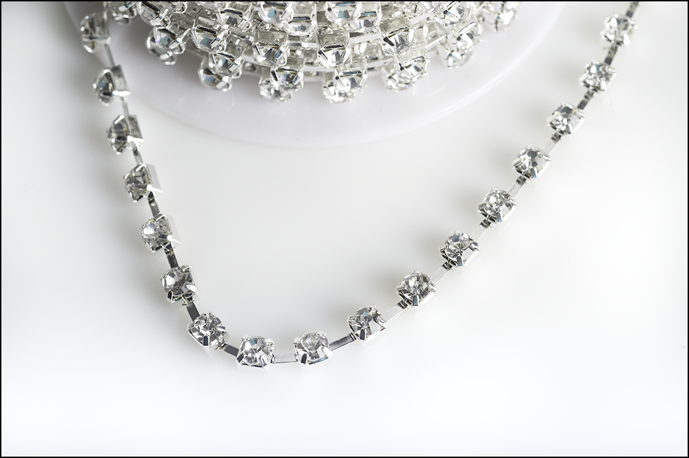 Cupchain with Rhinestones, 4mm (16ss) Silver Plated, 1 yard