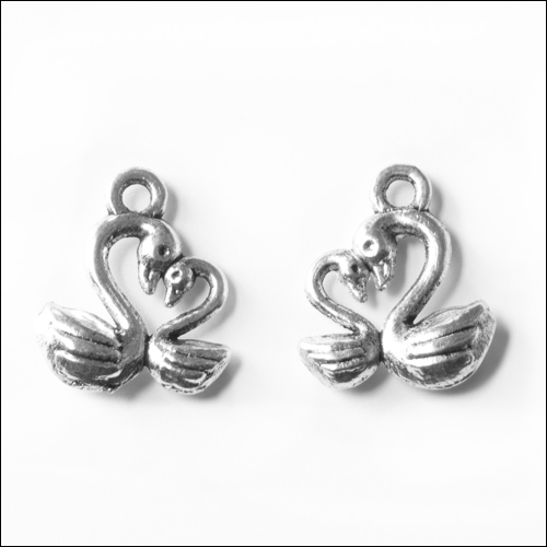 Love Heart Swans Silver Charm (10 each no bail)