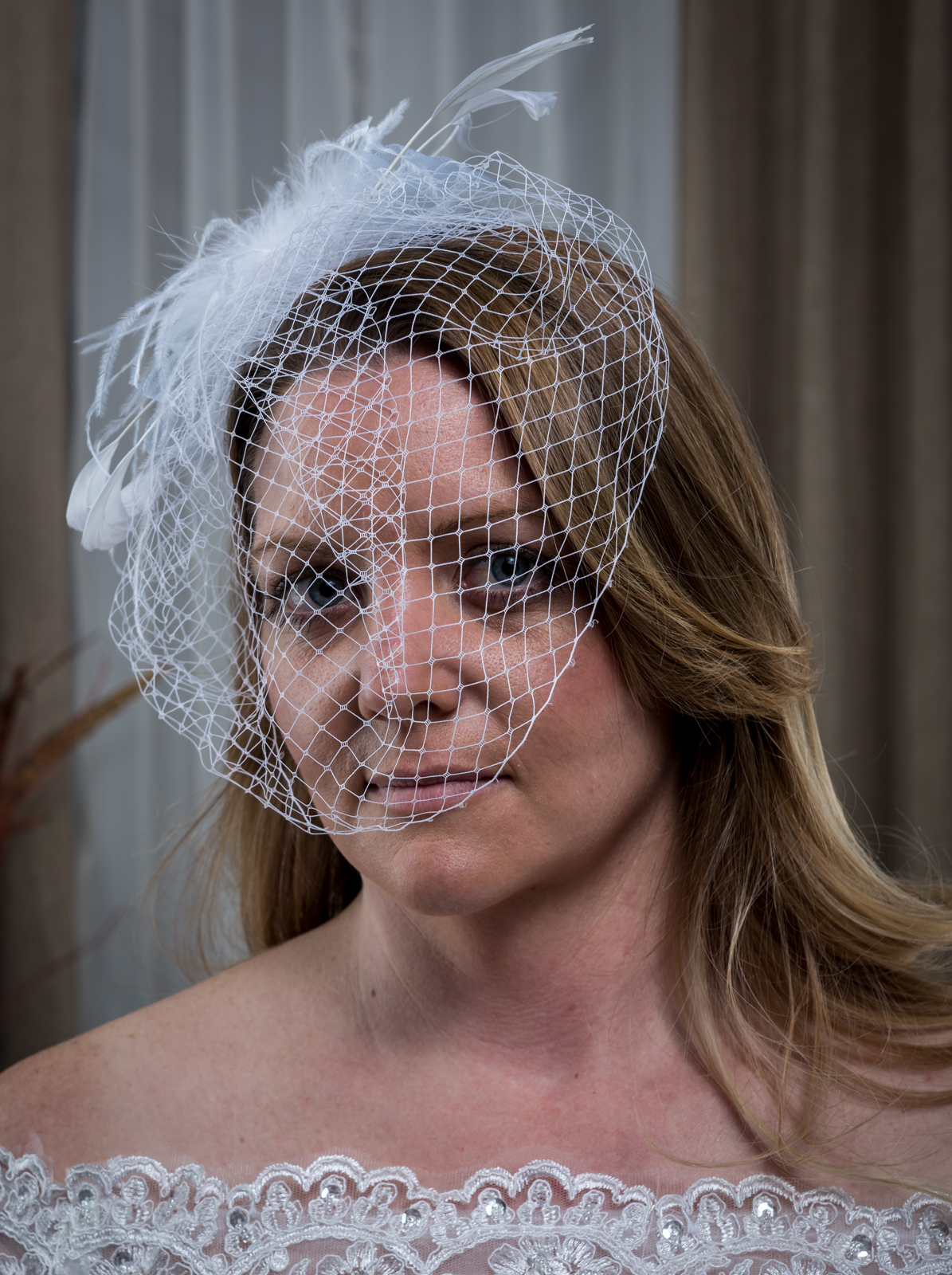 Birdcage Veil Facinator Bow and Feathers White