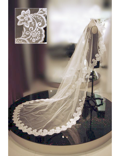 1 Tier Wedding Veil Floor Length Lace Applique no Comb Ivory