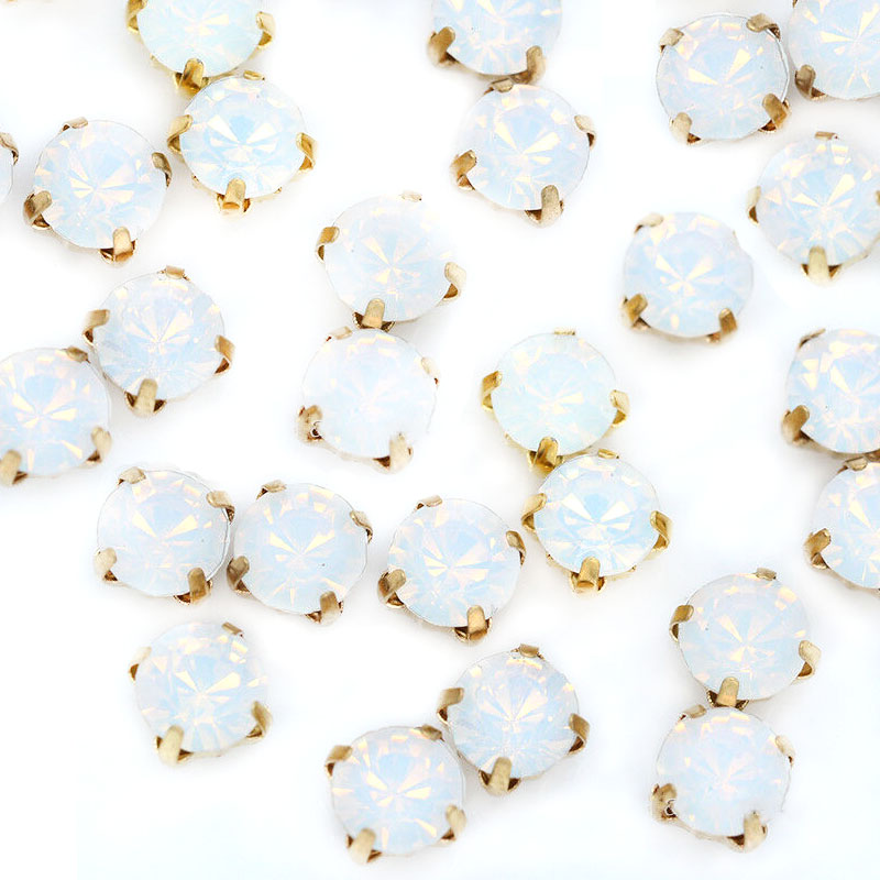 Rose Montee 3mm Opal in Gold Setting (24 pieces)