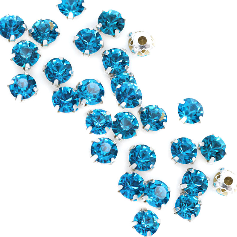 Rose Montee 4mm Capri Blue in Silver (24 pieces)