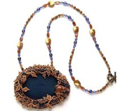 Bead Berry Pond Necklace